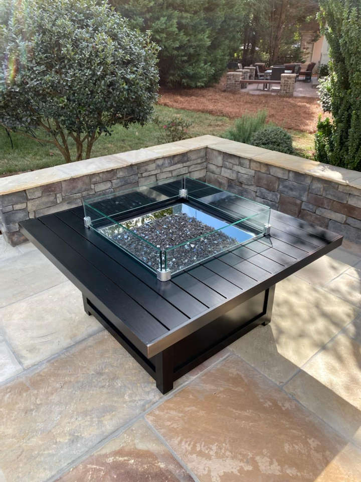 Outdoor fire table inlay